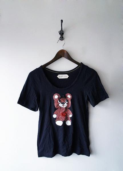MUVEILくまスパンコールTシャツ