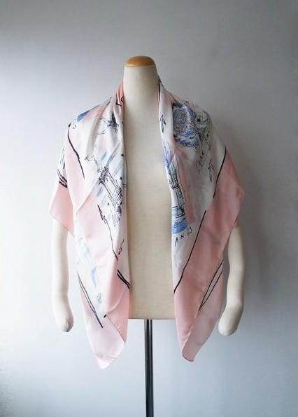 Acne青山限定品 スーベニアスカーフ