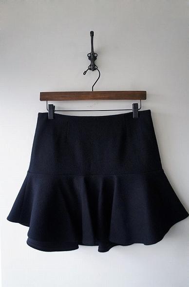 ウールペプラムスカート
