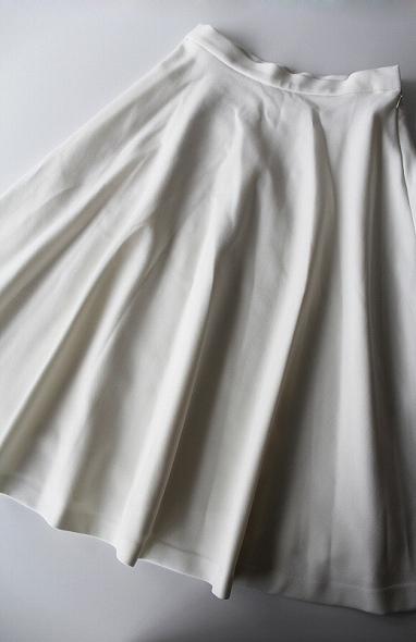 ダブルクロスミディアムフレアースカート