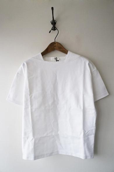 HYKEボートネックハーフスリーブシャツ