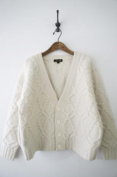 カシミヤ混みアラン編みカーディガン